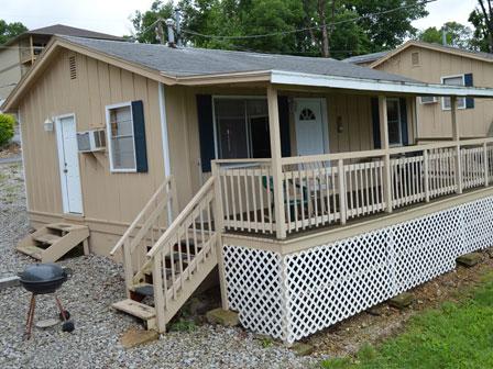 Dockside - Cabin 2 - Lakeside Resort
