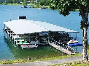LAKESIDE RESORT RESTAURANT & GENERAL STORE BOATDOCK